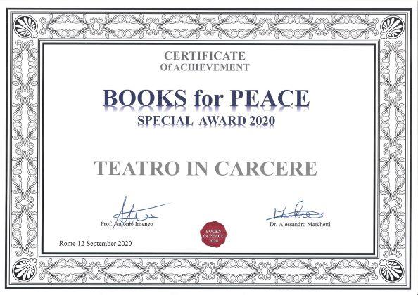 books-for-peace-award-to-theatre-in-prison1